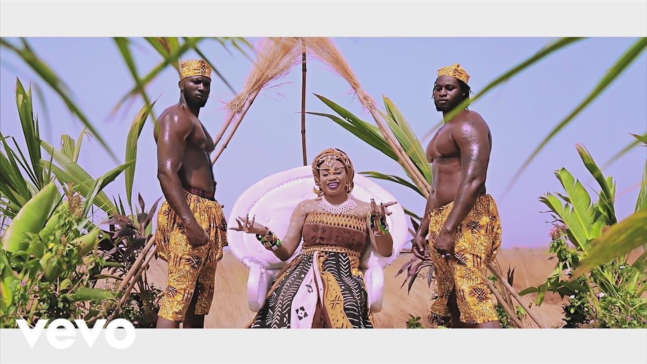 About Oumou Sangare